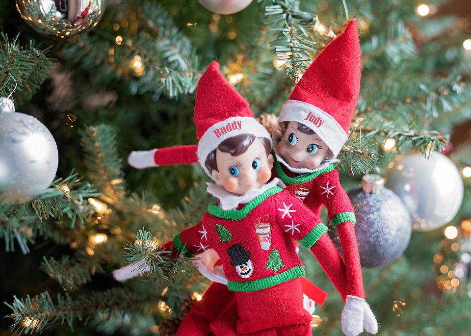 Why we think the elf on the shelf rocks|Ripped Jeans and Bifocals