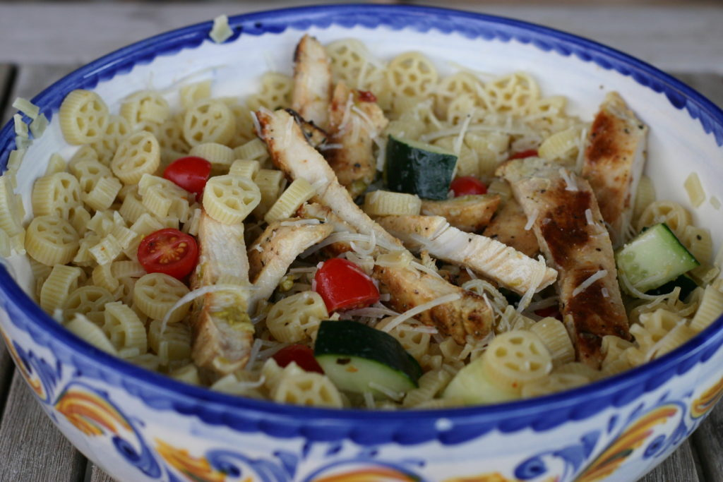 Easy Chicken Pasta Salad|Ripped Jeans and Bifocals|quick meal ideas|