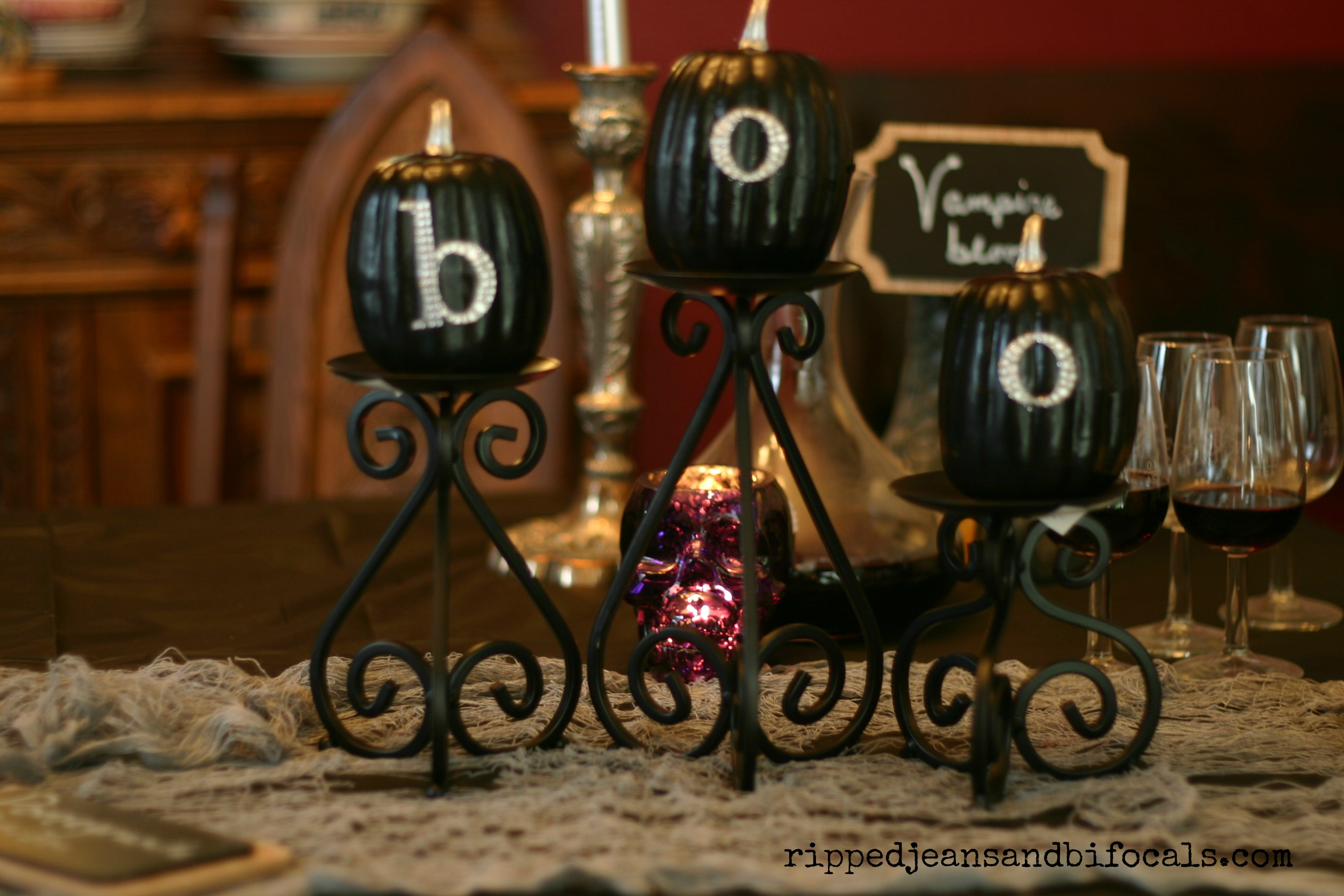 Easy And Cute Halloween Table Decorationripped Jeans And Bifocalshalloween Crafts