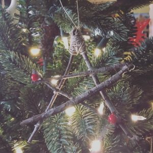 Easy DIY Tree Branch Stars
