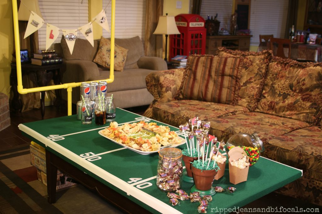 How to make the easiest, best snack stadium for game day|Ripped Jeans and Bifocals