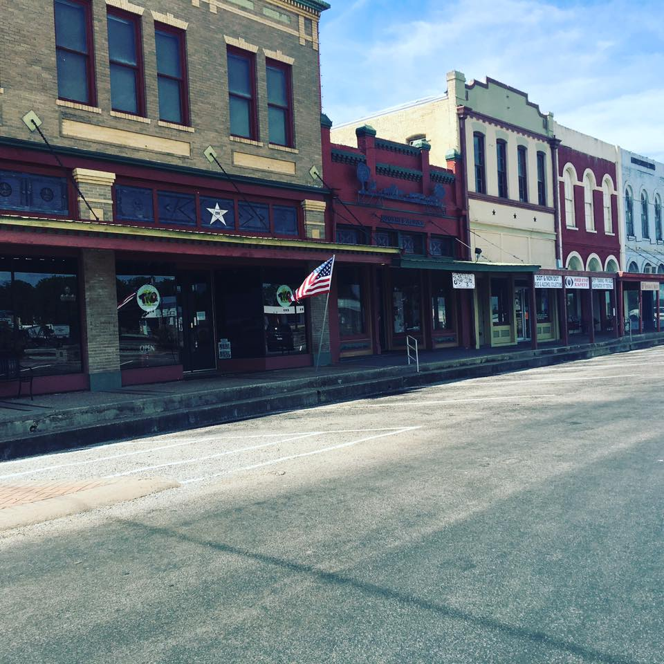 Have you ever wanted to visit Shiner Texas? We did an I'm sharing all the details of our weekend trip from Shiner to San Antonio. Check out these things to do in Shiner Texas and see why it makes such a great family travel destination|Ripped Jeans and Bifocals