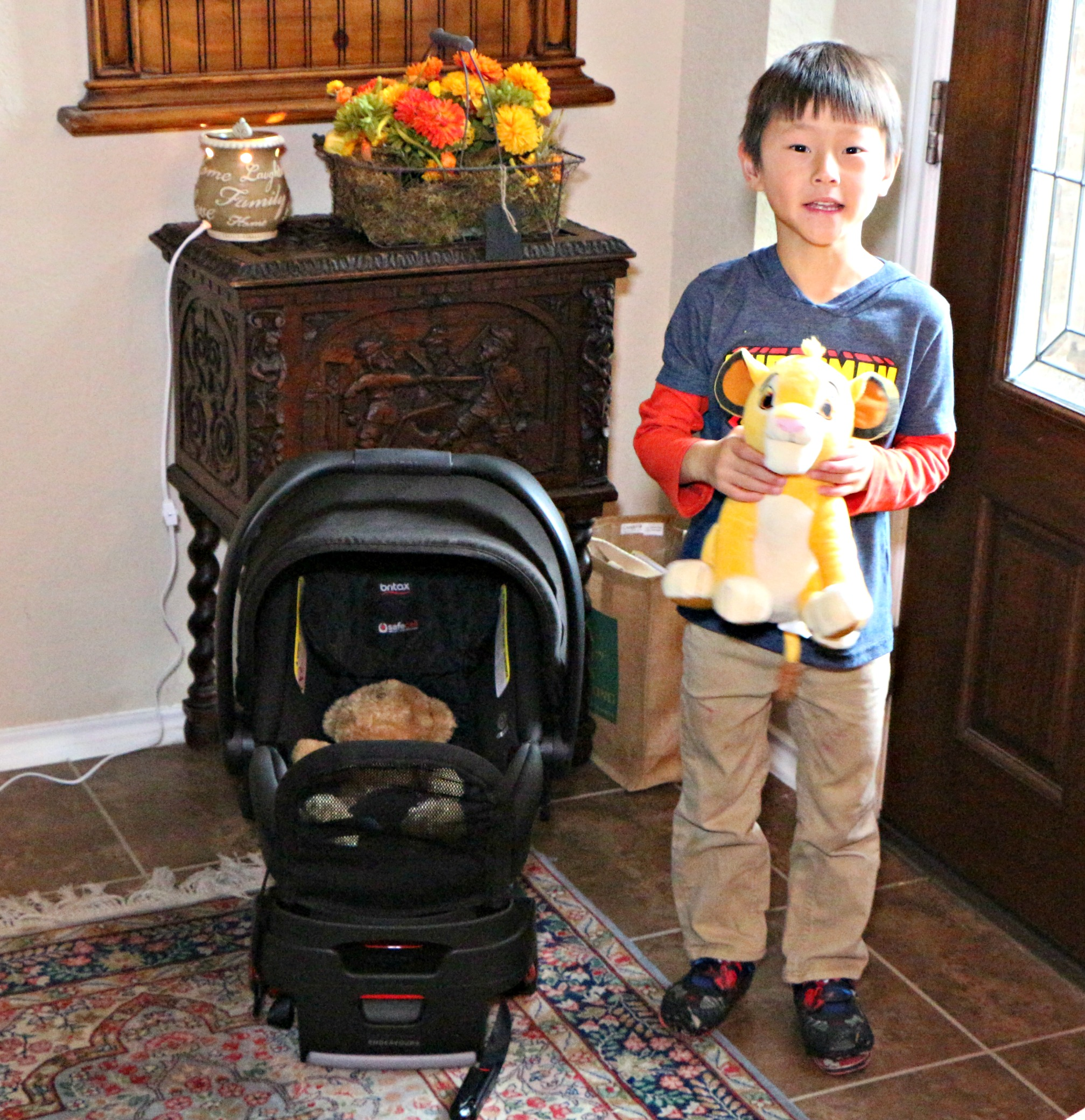 Review of the Britax Endeavours Car Seat|Ripped Jeans and Bifocals