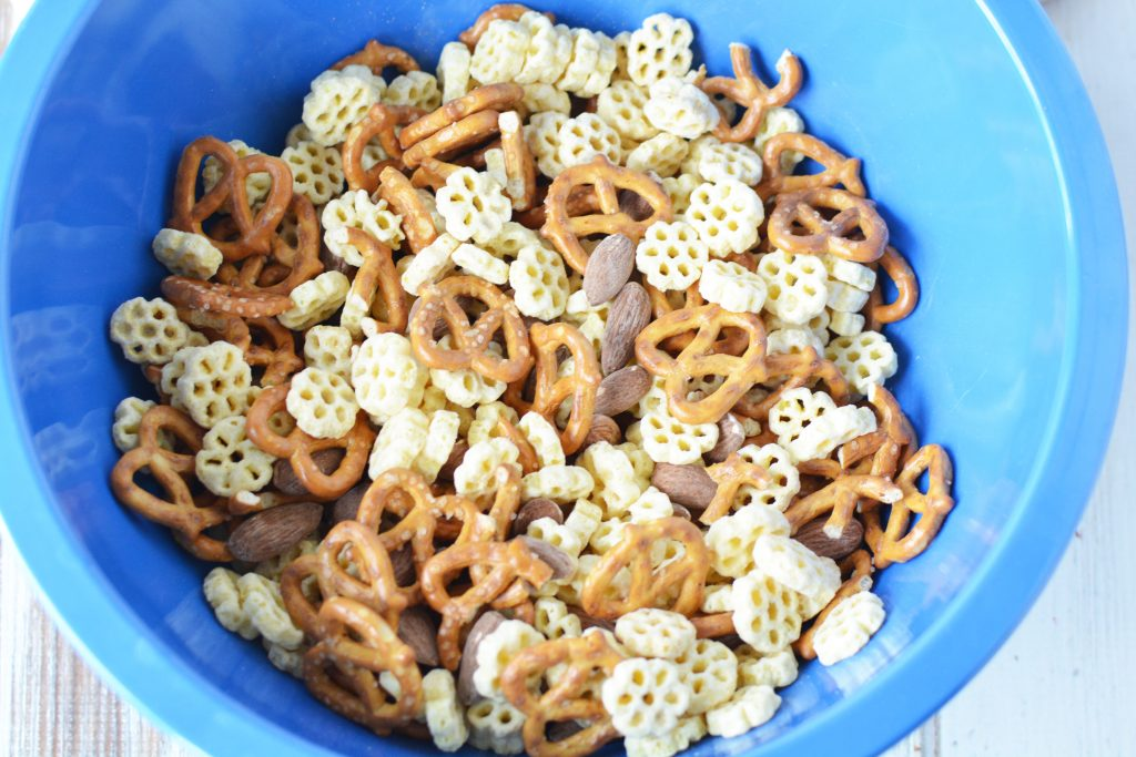 Make this Christopher Robin inspired Hunny Snack Mix