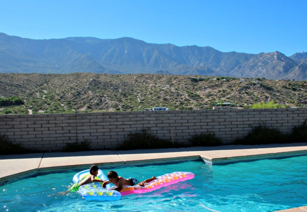 House with a pool - Vacation rental tips