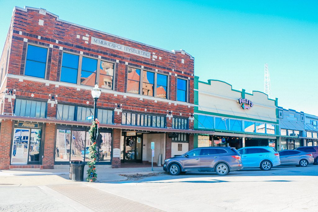 Best places to take Instagram Photos in Decatur Texas|Trinity Street in Decatur Texas