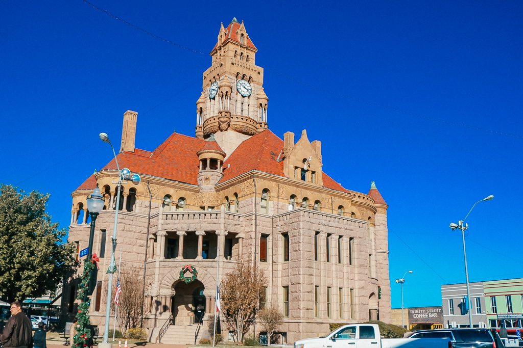 Best places to take Instagram Photos in Decatur Texas|Wise County Court House Decatur Texas