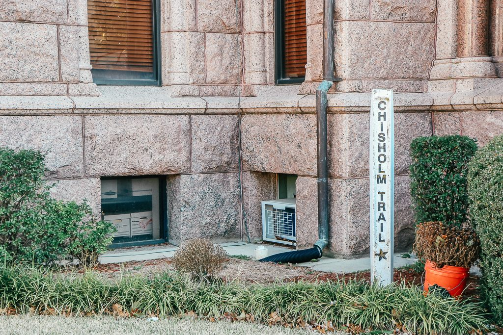 Best places to take Instagram Photos in Decatur Texas|Wise County Courthouse Decatur Texas