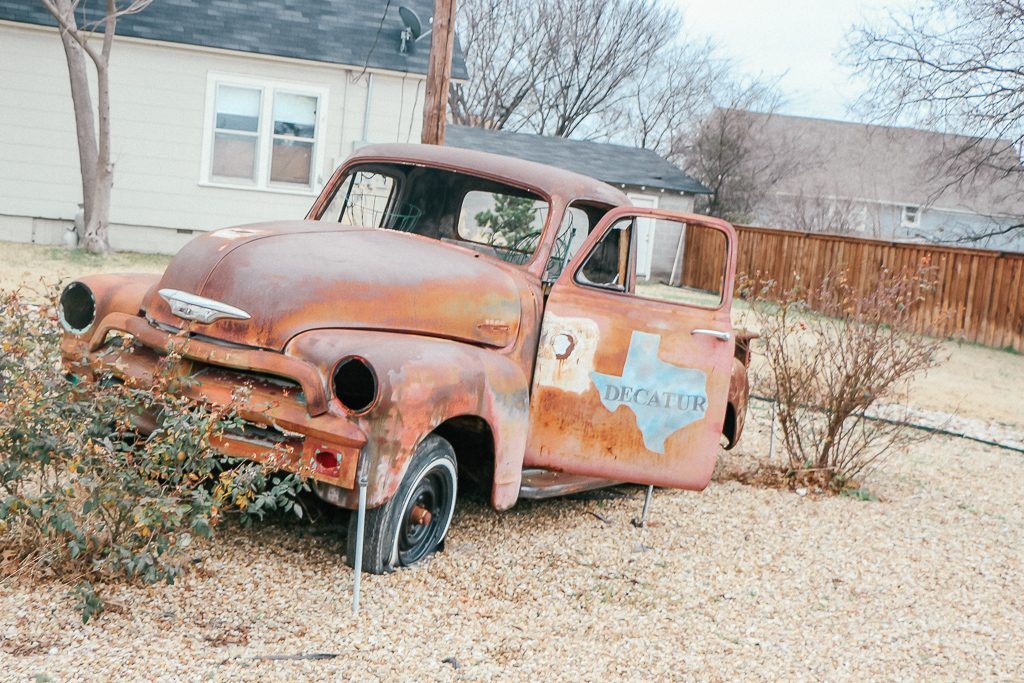 Best places to take Instagram Photos in Decatur Texas|Rusted Red truck in Decatur Texas