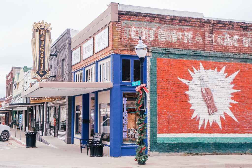 Best places to take Instagram Photos in Decatur Texas|Coca Cola Mural in Decatur Texas