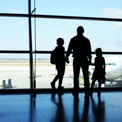 Flying with kids – the 8 tips you need to know