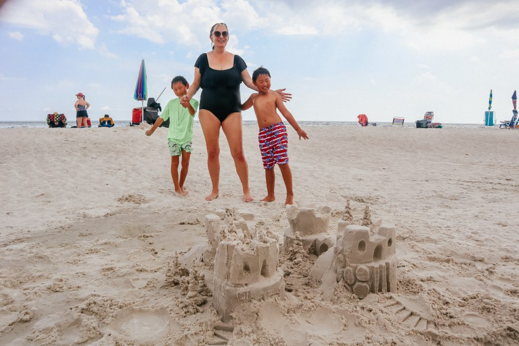 Sandcastle University teaches you how to make awesome sand art...and they come to you.