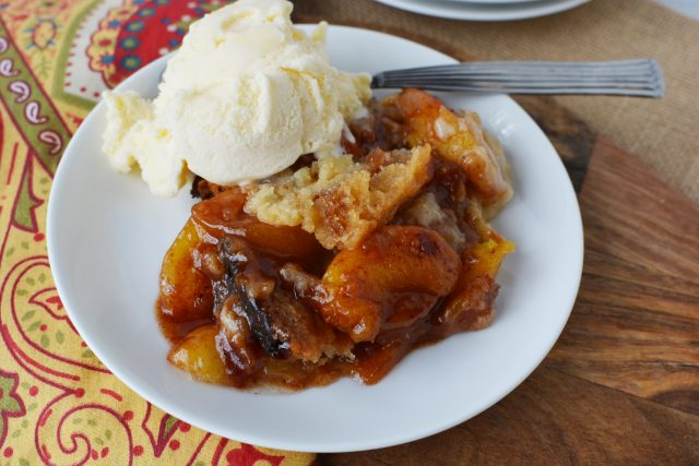Crock Pot Peach Cobbler with ice cream
